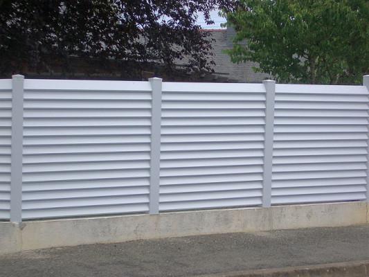 pvc-louvre-fence